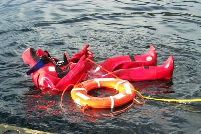 Båt i kvav räddning